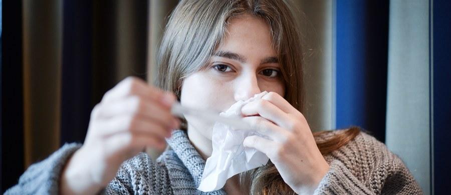 Zapadalność na grypę w drugim tygodniu stycznia w Wielkopolsce wyniosła 72,38 i była jedną z wyższych w kraju – wskazują dane Wojewódzkiej Stacji Sanitarno-Epidemiologicznej w Poznaniu. Dane oznaczają, że na każde 100 tys. osób zarejestrowano w tym czasie 72 nowe przypadki grypy.