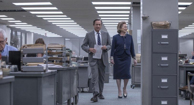"""""""Czwarta władza"""" jest czymś w rodzaju prequelu do """"Wszystkich ludzi prezydenta"""". Najnowszy film Stevena Spielberga i klasyk Alana J. Pakuli układają się w dwuczęściową opowieść o walce o ujawnienie ciemnych stron amerykańskiej polityki, jaką na początku lat 70. XX wieku toczyli dziennikarze """"The Washington Post""""."""