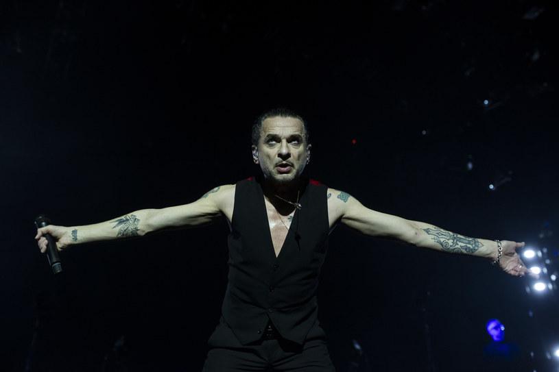 Poniżej możecie zobaczyć zdjęcia z środowego (7 lutego) koncertu Depeche Mode w Tauron Arenie Kraków. Kolejne dwa występy odbędą się w Łodzi i Gdańsku/Sopocie.