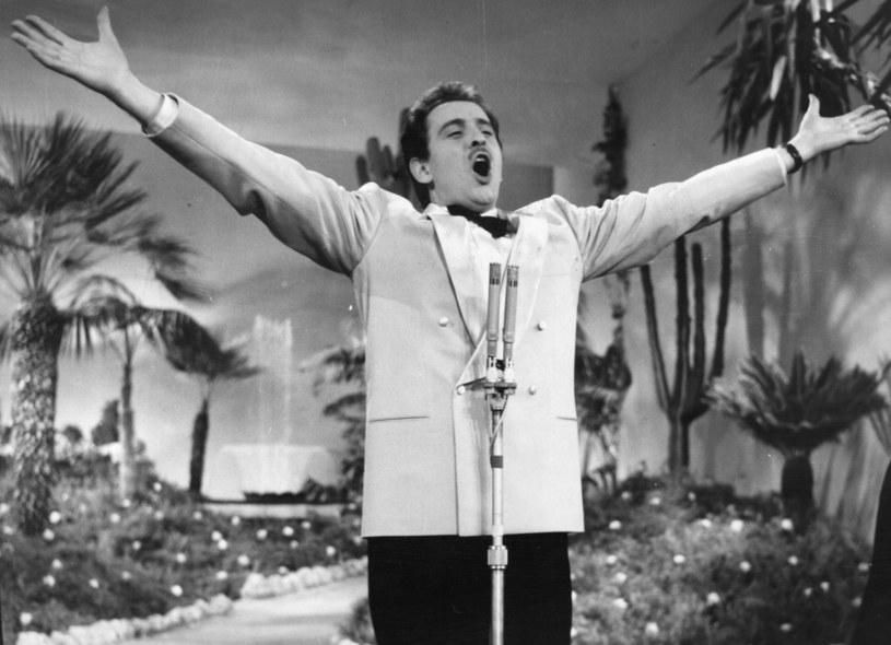 """Trzecie miejsce na Eurowizji, dwie statuetki Grammy (jedyne w historii dla nagrania eurowizyjnego) i szczyt listy Billboard. Te wyróżnienia zdobyli twórcy włoskiego ponadczasowego przeboju """"Nel blu dipinto di blu"""", bardziej znanego jako """"Volare"""". Mało osób jednak wie, że piosenka, która w lutym skończyła 60 lat, powstawała po części przypadkiem."""
