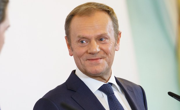 """Kwestia zarządzania napływem migrantów do Europy to wyzwanie na wiele lat i dlatego należy pozbyć się """"destrukcyjnych emocji"""" - oświadczył przewodniczący Rady Europejskiej Donald Tusk po spotkaniu w Wiedniu z kanclerzem Austrii Sebastianem Kurzem."""