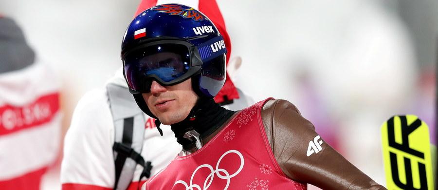 Polscy skoczkowie bardzo dobrze wypadli na treningach przed sobotnim konkursem skoków narciarskich na dużym obiekcie igrzysk olimpijskich w Pjongczangu. Z piątki biało-czerwonych najlepiej prezentowali się Kamil Stoch i Dawid Kubacki.