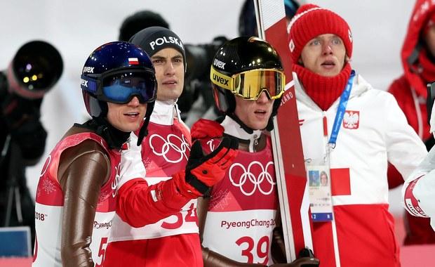 Jeśli można sobie wyobrazić jakieś szczególnie traumatyczne przeżycie sportowe na oczach milionów kibiców, to co stało się w minioną sobotę po 16 naszego czasu z pewnością się kwalifikuje. Nikt na szczęście nie odniósł żadnej kontuzji, nikt nawet niczego szczególnie nie zepsuł, ale wymarzony złoty i srebrny medal olimpijski rozwiały się, ustępując miejsca najbardziej znienawidzonym, czwartemu i piątemu miejscu. Naród wstrzymał oddech, zamarł... by po chwili z niedowierzaniem kręcić głową i pytać, jak to było możliwe.