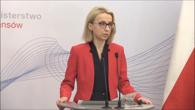 Proponujemy system długoterminowego oszczędzania, co jest odpowiedzią na wyzwania, przed którymi stoimy, ponieważ mamy relatywnie niski poziom oszczędności i wydłużający się czas życia – tłumaczy Teresa Czerwińska, minister finansów.