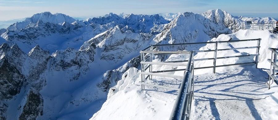 Tragiczny wypadek z udziałem polskich skialpinistów po słowackiej stronie w Tatrach Wysokich. Na dwójkę Polaków w Dolinie Staroleśnej zeszła lawina.