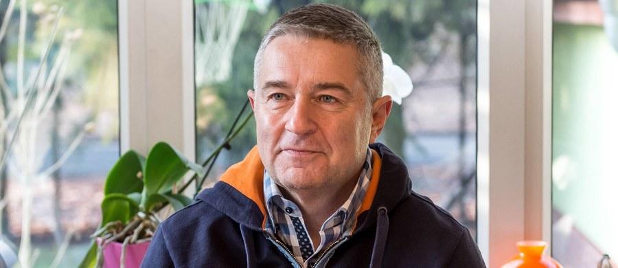 """Nie zamierzam wracać do polityki partyjnej, nie będę kandydował w wyborach, nie tworzę partii politycznej - mówi poniedziałkowej """"Rzeczpospolitej"""" Władysław Frasyniuk. Zapowiada też, że nie będzie się skarżył na niedawną procedurę zatrzymania go przez policję."""