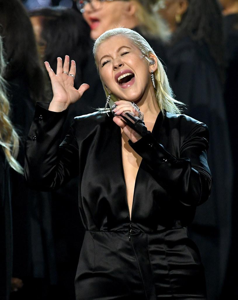 Amerykańska wokalistka Christina Aguilera opublikowała na Instagramie nowe zdjęcie, które pokazuje, że najwyraźniej w ostatnim czasie zgubiła nadprogramowe kilogramy.