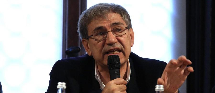 Orhan Pamuk - popularny turecki pisarz, który w 2006 roku otrzymał literacką Nagrodę Nobla, w maju odwiedzi Polskę. Taką informację podał jego polski wydawca, Wydawnictwo Literackie.
