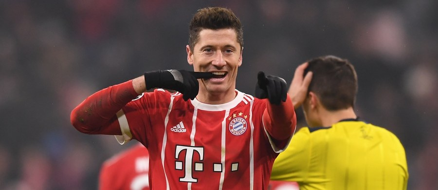 Robert Lewandowski zdobył dwie bramki i zaliczył asystę, a jego Bayern Monachium pokonał u siebie Besiktas Stambuł aż 5:0 w 1/8 finału piłkarskiej Ligi Mistrzów. W szlagierowym wtorkowym spotkaniu Chelsea zremisowała w Londynie z Barceloną 1:1.
