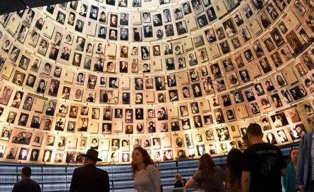 """Izraelski Instytut Pamięci Męczenników i Bohaterów Holokaustu Yad Vashem za niedopuszczalne uznał sformułowanie """"polski Holokaust"""", które znalazło się w wideo opublikowanym na portalu YouTube przez Fundację Rodziny Rudermanów w reakcji na nowelizację ustawy o IPN."""