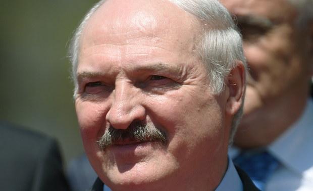 """""""W Europie Wschodniej trwa konsekwentna militaryzacja"""" – mówił w czwartek Alaksandr Łukaszenka podczas uroczystości z okazji 100-lecia armii białoruskiej. Święto to nawiązuje do daty utworzenia sowieckiej Armii Czerwonej w 1918 roku."""