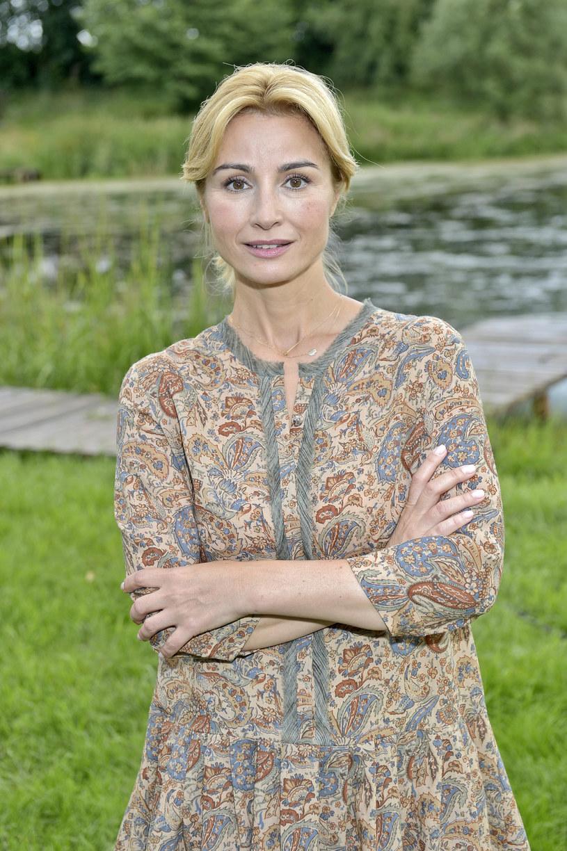Joanna Brodzik zdradza, że w nowych odcinkach szóstej serii mazurskiej sagi nie będzie sielskiej atmosfery, a graną przez nią postać czekają bardzo trudne chwile.