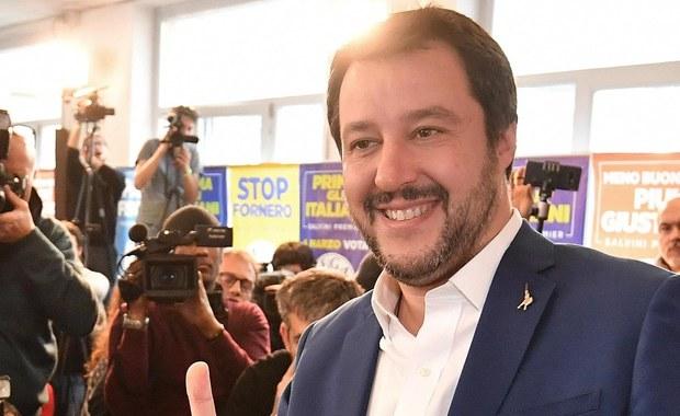"""Wstępne wyniki niedzielnych wyborów parlamentarnych we Włoszech, w których znaczne poparcie uzyskały partie eurosceptyczne, wskazują na odrzucenie przez obywateli Włoch autorytetu Brukseli - komentuje brytyjski """"The Guardian""""."""