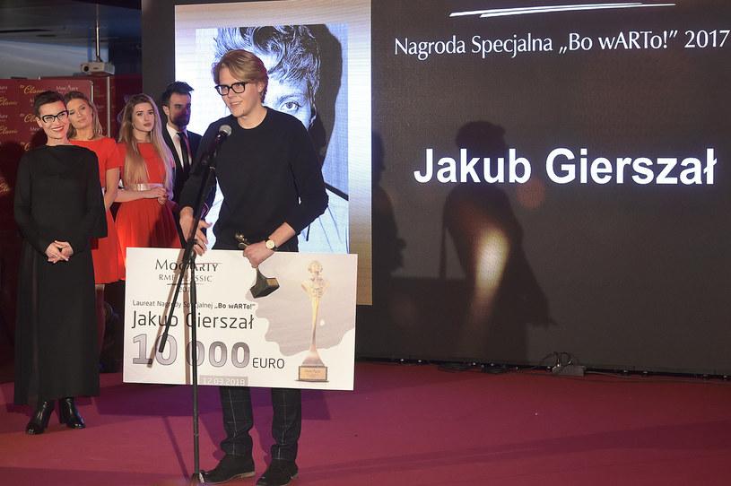 W Warszawie wręczono po raz ósmy MocArty RMF Classic. Słuchacze stacji wybrali swoich faworytów w czterech kategoriach: Człowiek Roku, Wydarzenie Roku, Muzyka Filmowa Roku i Rzecz z Klasą. Wręczono też nagrodę specjalną Bo wARTo!