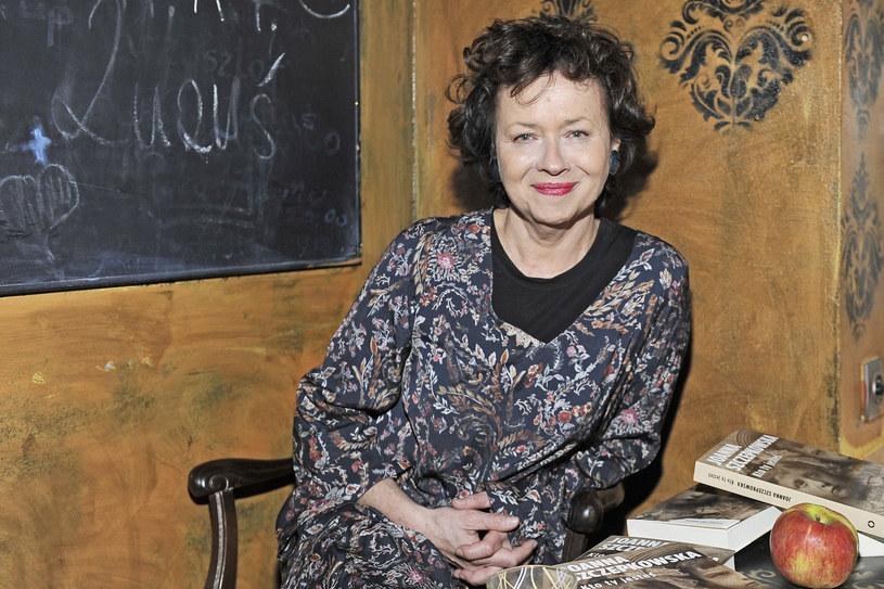 """- Jest uosobieniem teatru; była osobą, która naprawdę żyła dla teatru - powiedziała podczas próby medialnej Joanna Szczepkowska, kreująca tytułową rolę w spektaklu """"Ida Kamińska"""". Premiera przedstawienia w reż. Gołdy Tencer - 15 marca w Teatrze Żydowskim."""