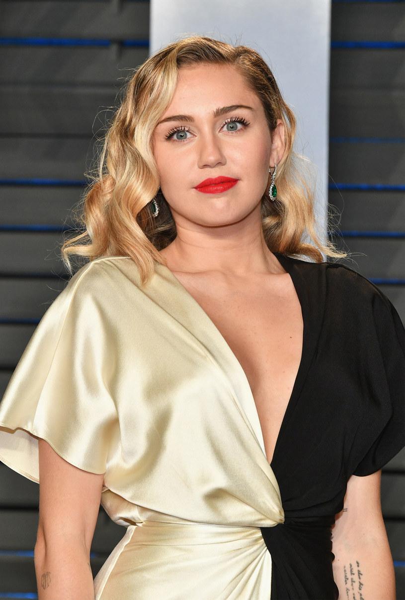 Jamajski artysta Michael May oskarża Miley Cyrus o splagiatowanie jego utworu.