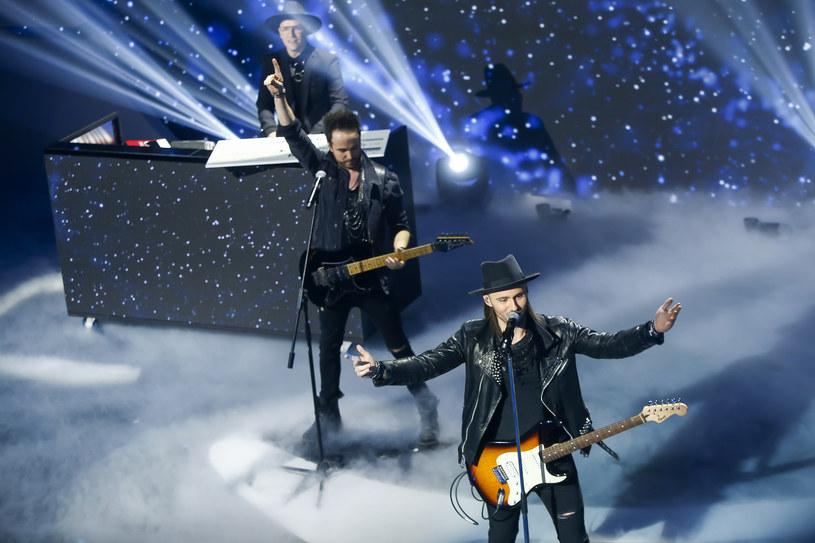 """Gromee i Lukas Meijer, którzy z utworem """"Light Me Up"""" będą reprezentować Polskę na Eurowizji w Lizbonie, już w najbliższy piątek, 23 marca, wystąpią na scenie programu """"Dancing with the Stars. Taniec z gwiazdami""""."""