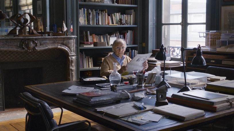 """Jean-Louis Trintignant, ikona francuskiej Nowej Fali, filmową emeryturę rozpoczął oficjalnie ponad 10 lat temu. Jest tylko jeden reżyser, dla którego mógł z niej powrócić na plan filmowy: Michael Haneke. Najpierw zagrał w napisanej specjalnie dla niego """"Miłości"""" (2012), teraz możemy podziwiać go w obrazie """"Happy End"""" - zapewne w ostatniej już roli."""