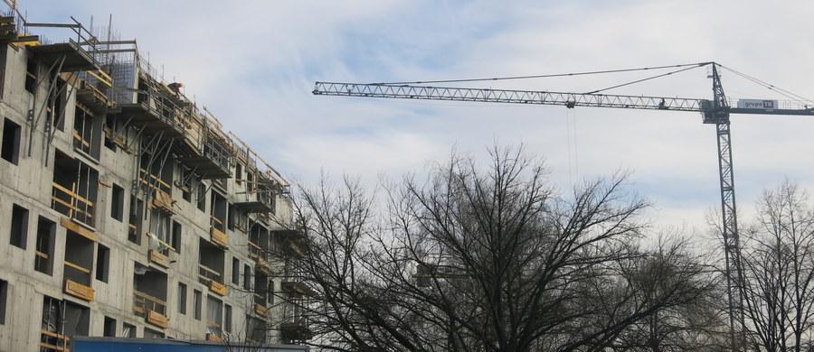 """Resort infrastruktury nie widzi szans na zmianę zasad indeksacji cen w bieżących kontraktach. Budowlańcy wieszczą falę bankructw - informuje w środę """"Puls Biznesu"""""""