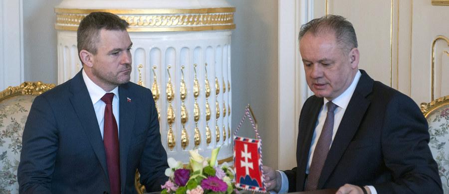 Prezydent Słowacji Andrej Kiska zapowiedział, że w czwartek mianuje nowy rząd premiera Petera Pellegriniego z partii Kierunek-Socjaldemokracja (Smer-SD) i w ten sposób zrealizuje swą obietnicę przeprowadzenia państwa przez obecny kryzys polityczny.