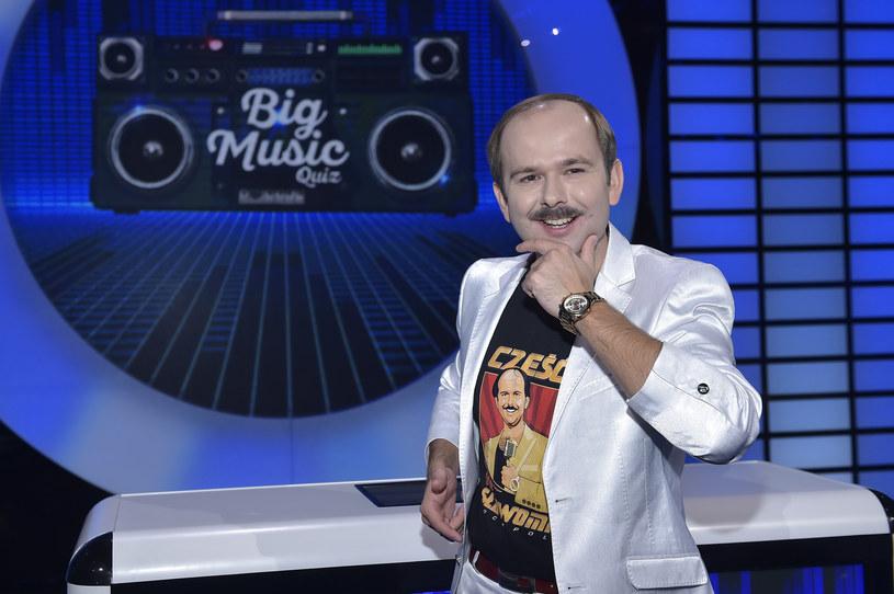 """Telewizja Polska postanowiła przenieść emisję programu rozrywkowego """"Big Music Quiz"""" z TVP2 do TVP1. Skąd taka zaskakująca decyzja?"""