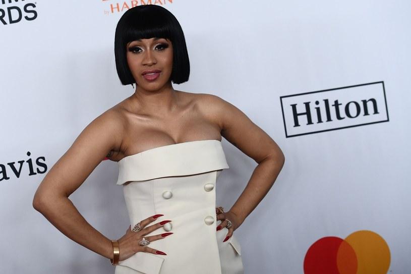 Raperka Cardi B w mediach społecznościowych zaapelowała do administracji Stanów Zjednoczonych, aby ujawnili, na co idą jej pieniądze z podatków.