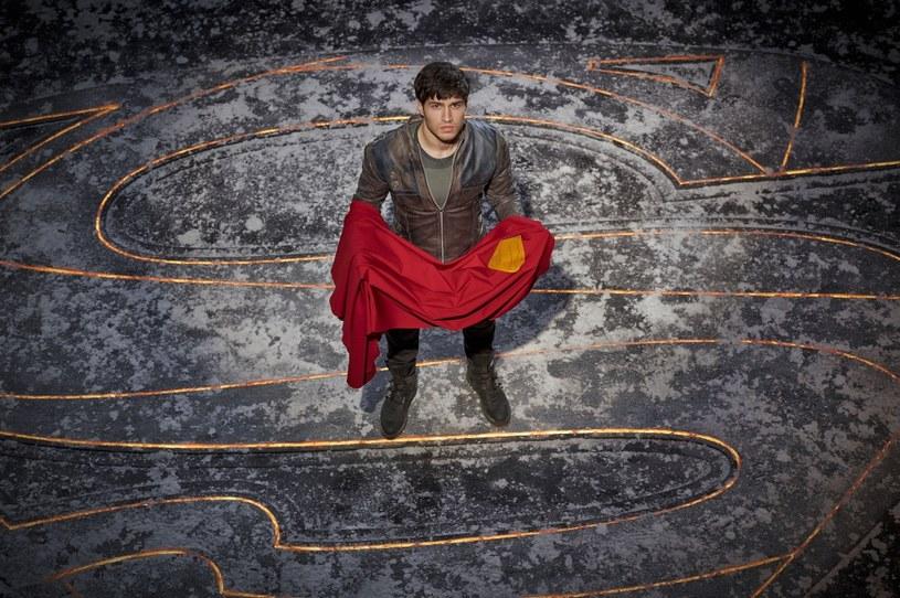 """W czwartek, 29 marca,  HBO GO pojawi się nowy serial sci-fi """"Krypton"""" inspirowany postaciami z komiksów DC. Pełna akcji produkcja prezentuje losy przodka Supermana, który walczy o honor swojej rodziny i uratowanie świata przed zagładą."""