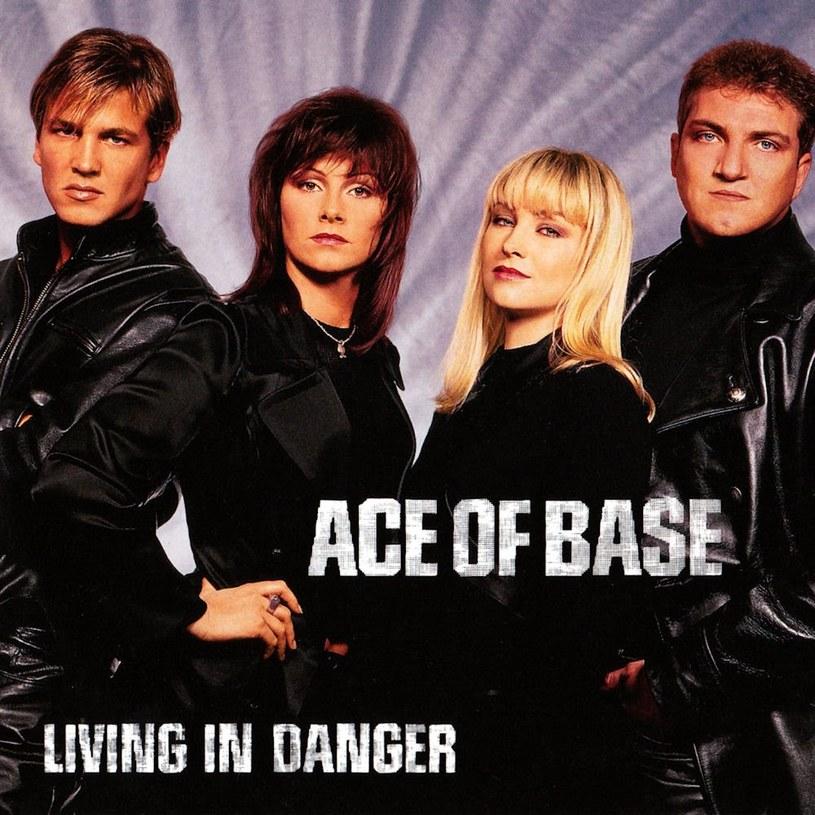 """Gdy 1993 roku ukazał się album """"The Sign"""" Ace of Base trudno było spodziewać się, że za kilka lat grupa zaliczy poważny zjazd formy i przestanie całkowicie liczyć się w branży muzycznej."""