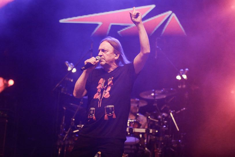 Prawie 50 występów do końca roku ma zaplanowanych Marek Piekarczyk, który z końcem marca ostatecznie rozstał z się z legendą polskiego heavy metalu - TSA.