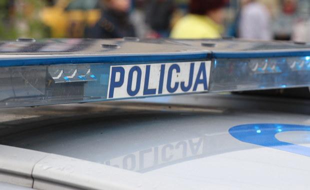Najbliższe trzy miesiące spędzi w areszcie mężczyzna, który miał w Wielkanoc w Stargardzie (Zachodniopomorskie) ugodzić ostrym narzędziem mężczyznę wracającego z kościoła. Podejrzany ranił tego dnia także kobietę.