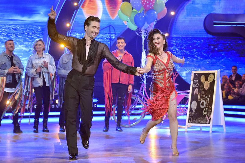 """Niezapomniana muzyka z lat 90. będzie tym razem królować w """"Tańcu z gwiazdami"""". Szykuje się niezła zabawa! Zdradzamy, co wydarzy się w kolejnym, szóstym odcinku show Polsatu."""