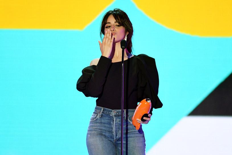 """Camila Cabello ma powody do świętowania. Jej utwór """"Never Be The Same"""" został pierwszym singlem, który w 2018 roku uzyskał status platyny."""