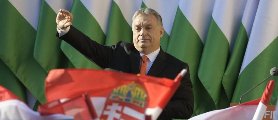 Węgierskie partie polityczne przekonywały swoich zwolenników na ostatnich wiecach wyborczych do udziału w niedzielnych wyborach parlamentarnych, w których spodziewane jest zwycięstwo koalicji rządzącej.