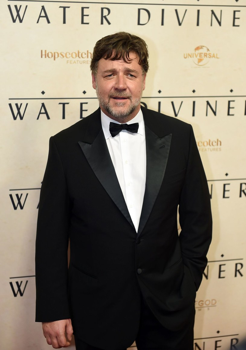 Russell Crowe pozbył się swoich skarbów. Na aukcję Sotheby trafiło ponad 200 należących do aktora przedmiotów, które sprzedano za 2,8 mln dolarów