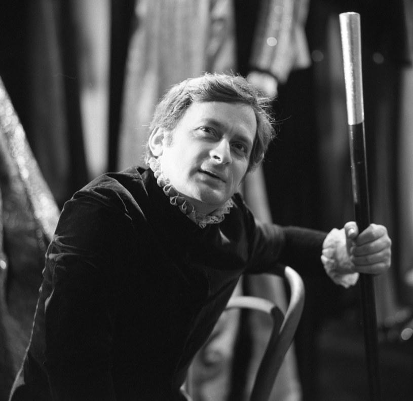 W piątek w wieku 87 lat zmarł aktor teatralny Antoni Pszoniak, wieloletni członek ZASP. Był związany m.in. z Teatrem Narodowym w Warszawie i Starym Teatrem w Krakowie. O jego śmierci poinformował w poniedziałek Związek Artystów Scen Polskich.