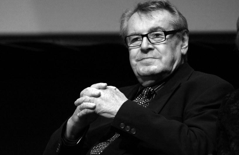 """Nie żyje uhonorowany dwoma Oscarami za reżyserię czeski mistrz kina Miloš Forman. Twórca filmów """"Amadeusz"""", """"Lot nad kukułczym gniazdem"""", """"Skandalista Larry Flynt"""" i """"Miłość blondynki"""" zmarł w piątek, 13 kwietnia 2018 roku. Miał 86 lat."""