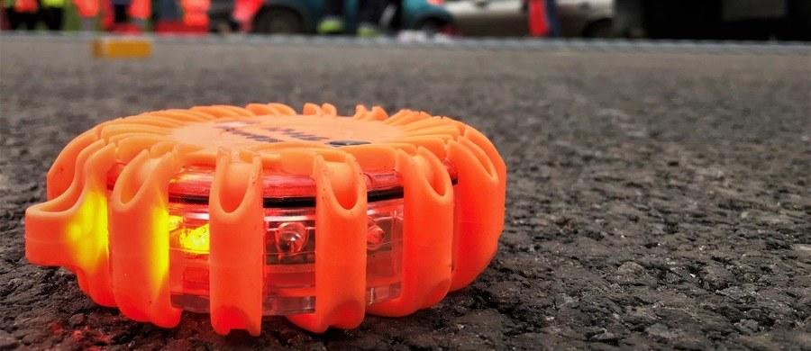 6 osób zostało rannych w wypadku pasażerskiego busa w Osinach w powiecie puławskim na Lubelszczyźnie. Jak ustaliliśmy, to podróżni z Ukrainy lub Białorusi.