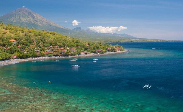 12-latek z Sydney po kłótni z matką postanowił zrobić sobie wakacje. Ukradł rodzicom kartę kredytową, namówił babcię na to, by dała mu paszport, a następnie poleciał na indonezyjską wyspę Bali.