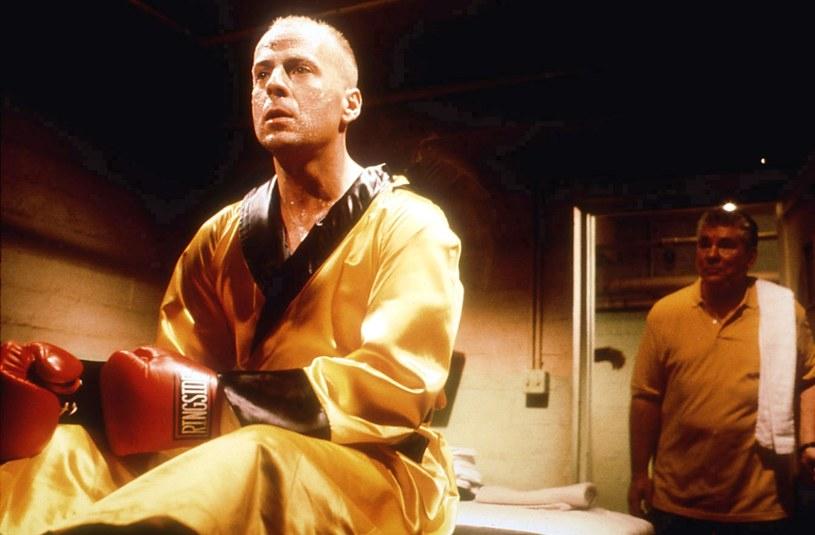 """Amerykański aktor Bruce Willis podpisał kontrakt z producentami filmu """"Cornerman"""". Zagra w nim znanego trenera bokserskiego Cusa D'Amato, który odkrył i wyszkolił mistrza wagi ciężkiej Mike'a Tysona. Autorem scenariusza i reżyserem filmu będzie Rupert Friend."""