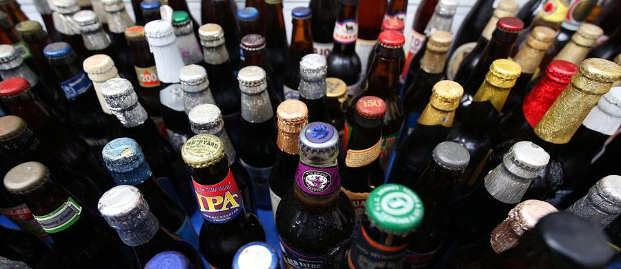 Decyzję o wprowadzeniu prohibicji przegłosowali na wtorkowej sesji miejscy radni. Zakaz będzie obowiązywał między 22:00 a 6:00. Dotyczy alkoholu, który można spożywać poza miejscem zakupu.