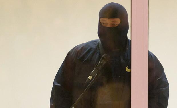 """Wyłudzenia z banków prawie 670 tysięcy złotych dotyczą najważniejsze zarzuty, jakie ma usłyszeć najsłynniejszy świadek koronny w Polsce, """"Masa"""", zatrzymany przez policjantów z łódzkiego Biura Spraw Wewnętrznych Policji. Wraz z nim w ręce śledczych wpadło jeszcze 5 osób: wśród nich jego syn, policjant i urzędnik z urzędu celno-skarbowego. Te zatrzymania to efekt trwającego od 3 lat wielowątkowego śledztwa dot. wymuszeń rozbójniczych i oszustw popełnianych przez zorganizowaną grupę przestępczą."""