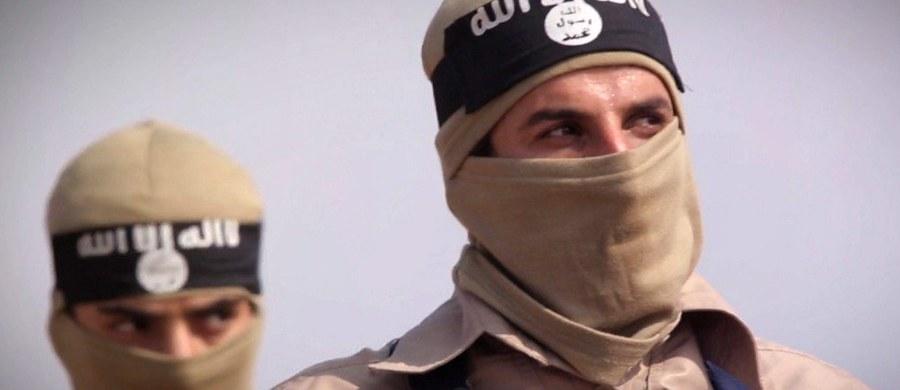 Dżihadystyczna organizacja Państwo Islamskie (IS) wzięła na siebie odpowiedzialność za sobotni atak na cerkiew w stolicy Czeczenii, Groznym, w którym zginęło 7 osób. Organizacja nie podała jednak dowodów na poparcie swego twierdzenia.