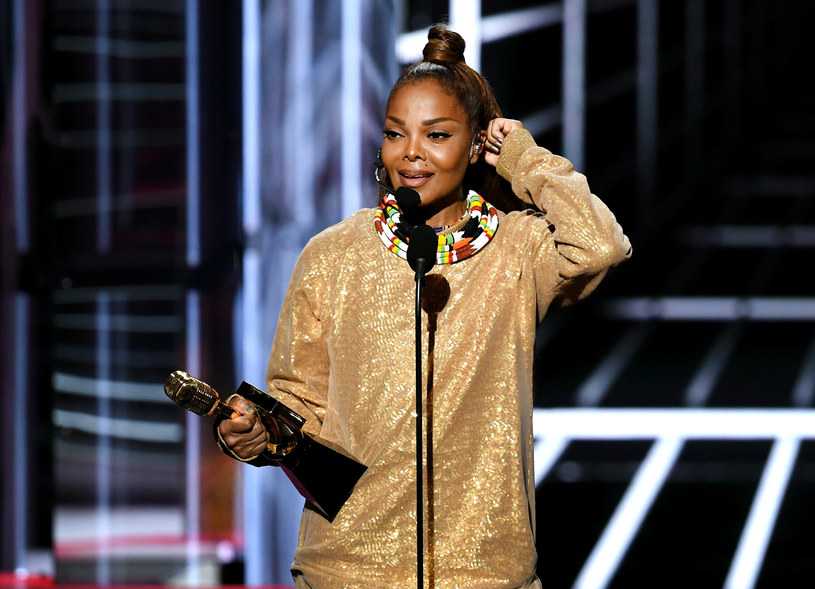 W niedzielę 20 maja w Los Angeles odbyła się gala rozdania nagród Billboard Music Awards. Największymi zwycięzcami ceremonii byli panowie: Kendrick Lamar, Ed Sheeran, Luis Fonsi oraz Bruno Mars. Co jeszcze wydarzyło się na gali?
