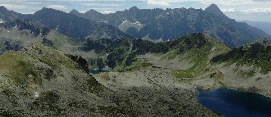 Popularny szlak turystyczny w Tatrach między Świnicą a przełęczą Zawrat został w poniedziałek zamknięty z powodu obrywu skalnego. Obryw jest nadal aktywny. Władze Tatrzańskiego Parku Narodowego (TPN) apelują o niewchodzenie na ten teren.