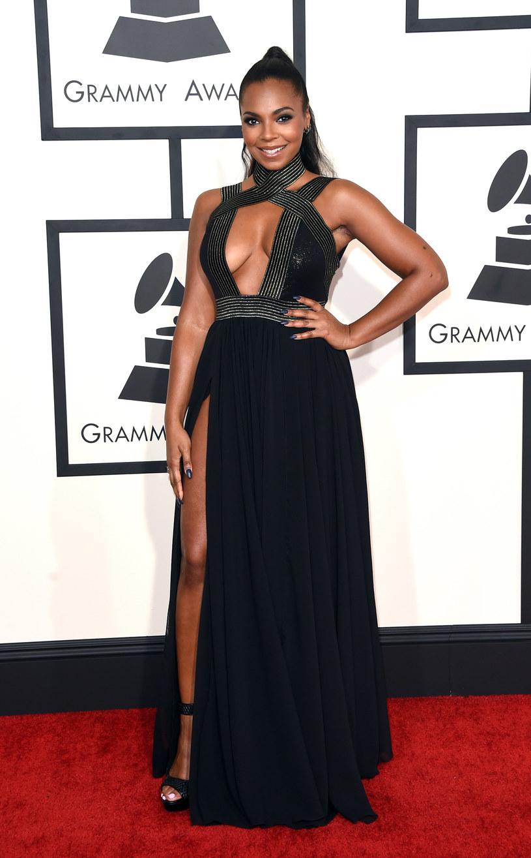 Wokalistka R&B Ashanti zdradziła, że w trakcie swojej kariery jeden z producentów zaproponował jej bity w zamian za seks pod prysznicem.