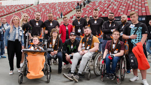 Niepełnosprawni zawitali na PGE Narodowy. Nowatorska inicjatywa w esporcie