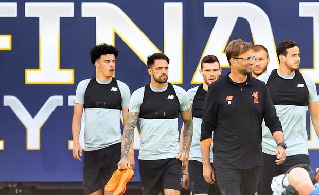 Liverpool postanowił zwrócić pieniądze za bilety na finał piłkarskiej Ligi Mistrzów z Realem Madryt tym kibicom, którzy nie dotrą w sobotę do Kijowa z powodu odwołanych lotów. Szacuje się, że dotyczyć to może od 650 do 1000 fanów angielskiego klubu.
