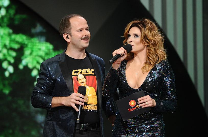 Sylwia Grzeszczak otrzymała z rąk Prezydenta Sopotu Jacka Karnowskiego - Bursztynowego Słowika podczas pierwszego dnia Polsat SuperHit Festiwal 2018. Artystka w specjalnym koncercie jubileuszowym podsumowała 10 lat na polskiej scenie muzycznej. Wcześniej Opera Leśna w Sopocie rozbrzmiewała przebojami wykonawców, których płyty i single w ostatnich miesiącach pokryły się platyną i diamentem, wyznaczając rekordy sprzedaży. Na bis ponownie Sławomir z żoną.
