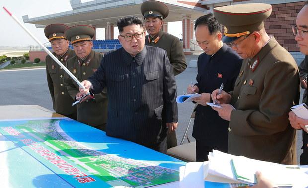Prezydent Donald Trump poinformował na Twitterze, że delegacja USA przybyła do Korei Północnej, by poczynić przygotowania do ewentualnego spotkania na szczycie przywódców obu krajów - podał Reuters w niedzielę.