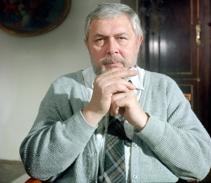 """Jako Bogumił Niechcic podbił serca Polaków. Dzięki """"Nocom i dniom"""" Jerzy Bińczycki poznał też żonę."""